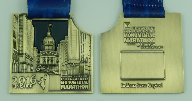 2016-indianapolis-monumental-marathon-medal